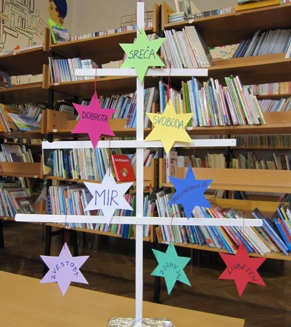 Praznično vzdušje v šolski knjižnici